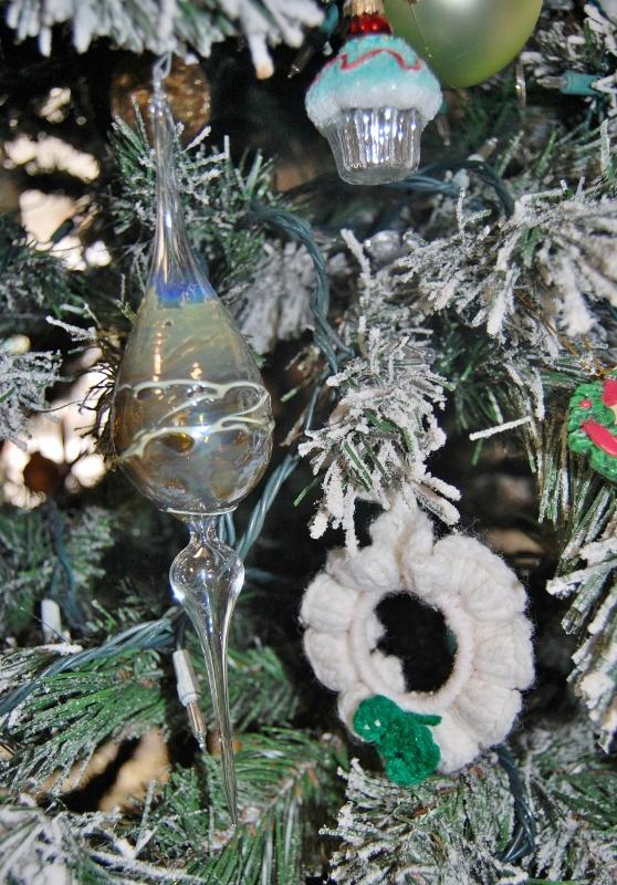 Blown Glass ornament (558x800)