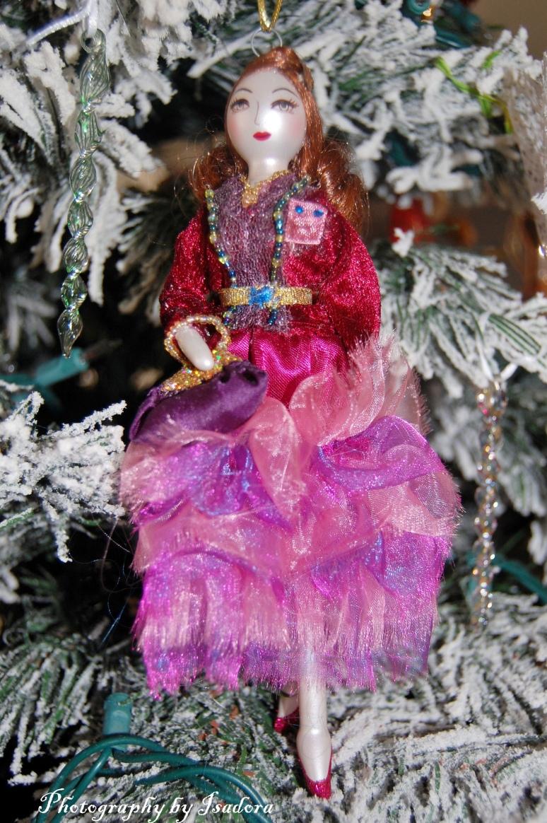 Purple Lady Ornament web-si