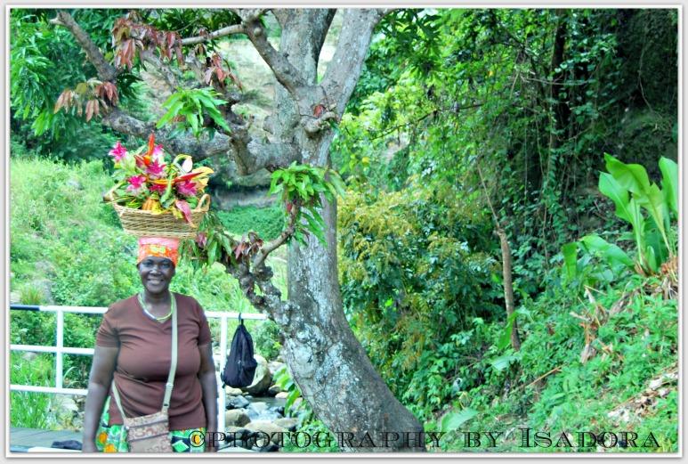 Grenada - Woman Basket 2web