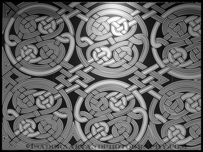Tile Circle Squiggles Pattern.web