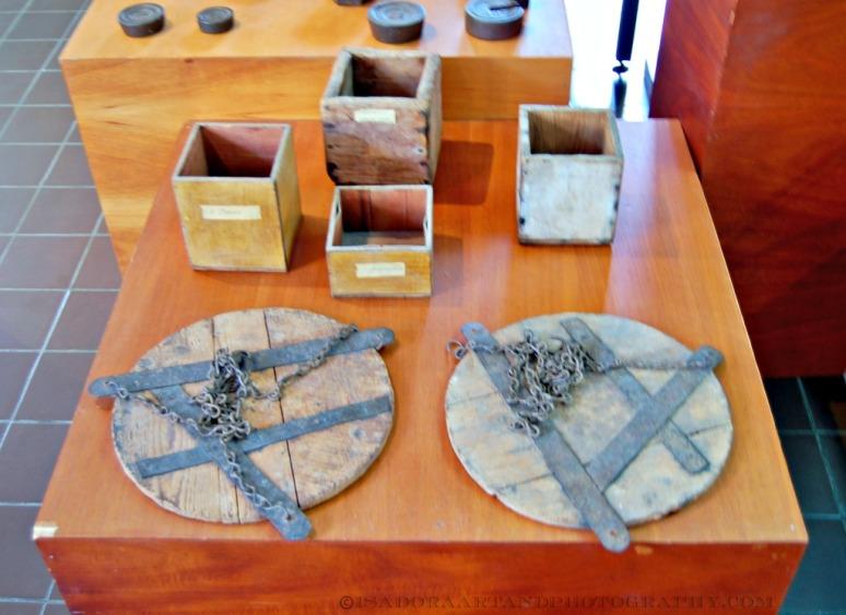 Storage vessels on fishing boats - Aruba Museum