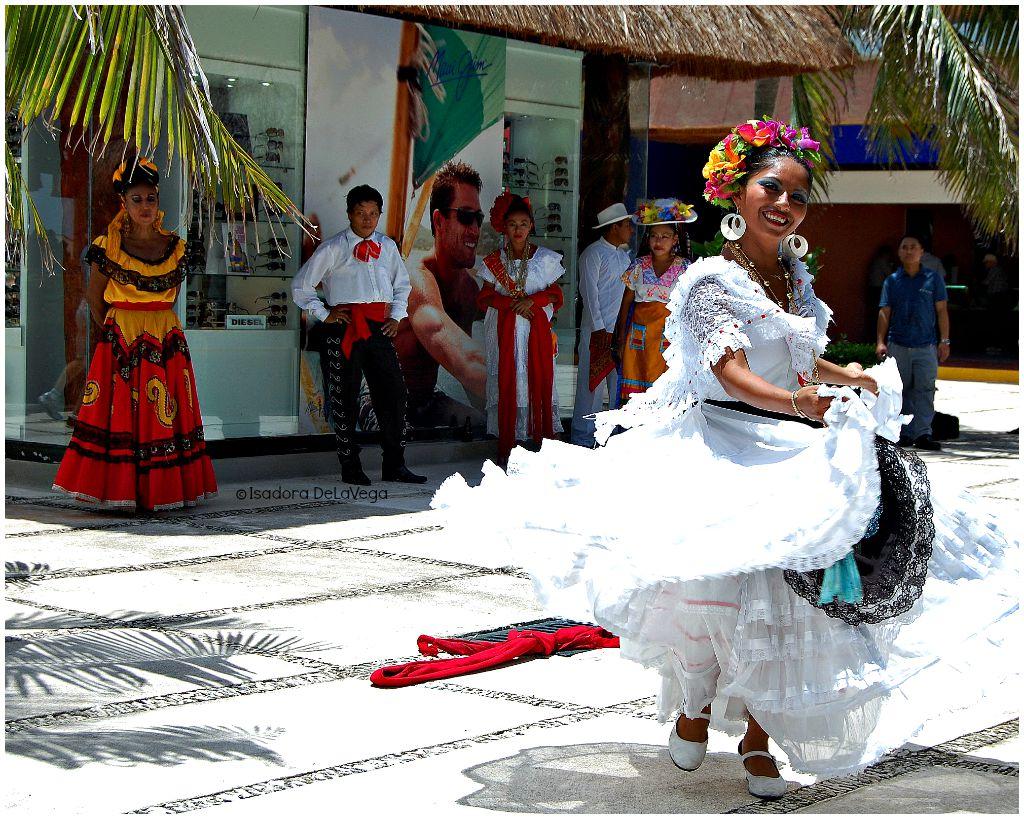 Mexican Dancers 4 Nowegian Epic.web