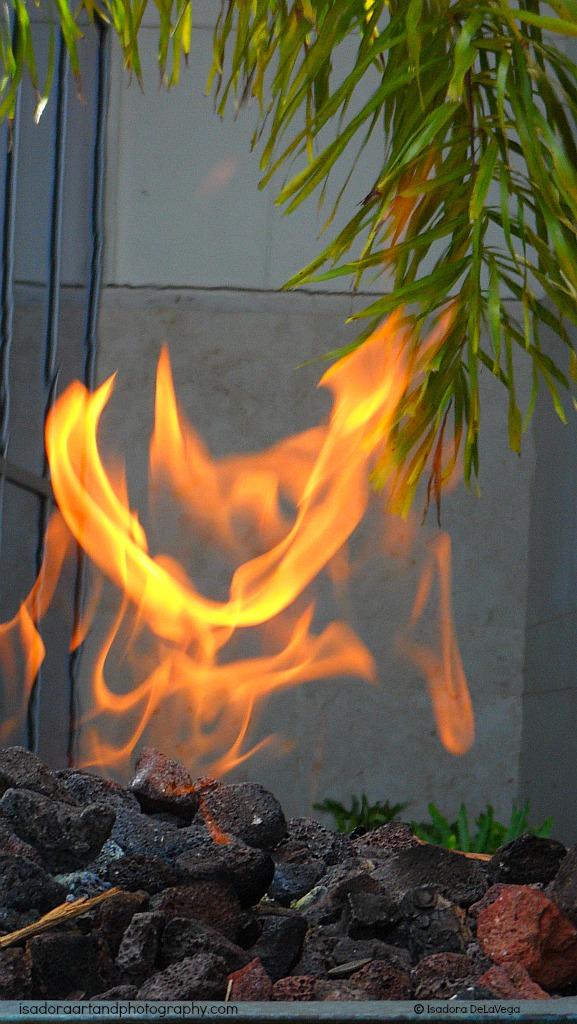Copper Firepit 1024 close-up.web