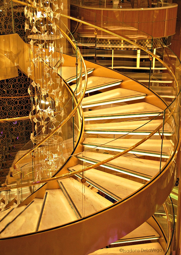 Cruise Royal Princess Staircase.web
