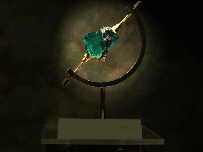 Jewelry Emerald Spotlight.web