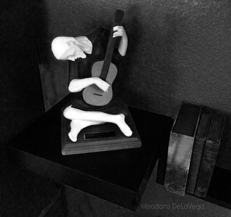 art-guitar-sculpture-italy-web